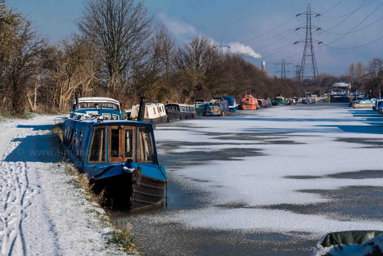 Stonebridge Lock on a a sunny winter's day - January 2018